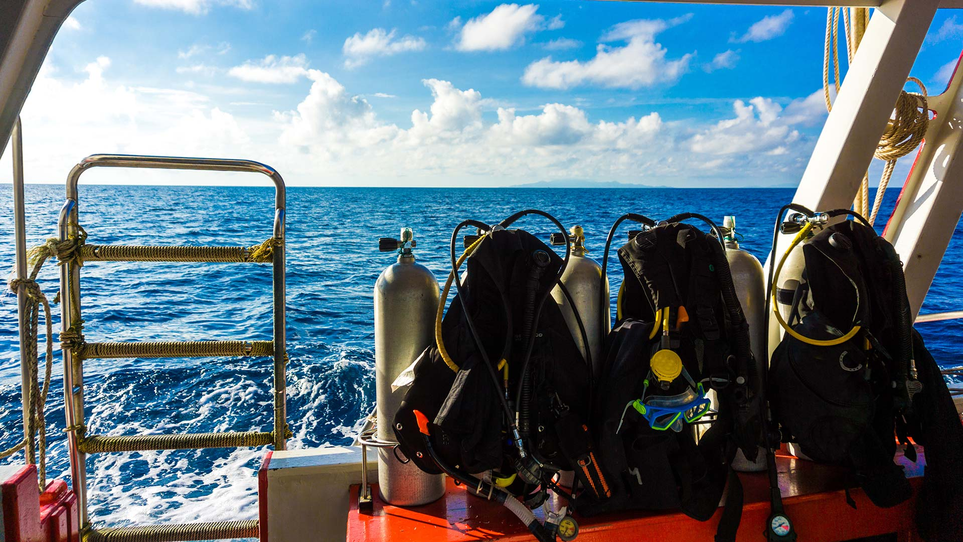 A Simple Guide to Boat Diving Etiquette